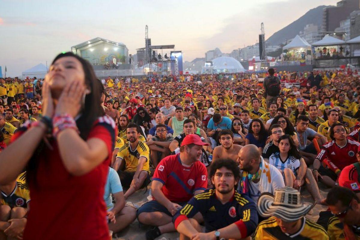 """Esta fue la cantidad que la FIFA invirtió en las 12 ciudades de Brasil que albergaron los """"Fan Fest"""", un lugar acondicionado para seguir los partidos del Mundial en pantallas gigantes, entre otras atracciones. Foto:Getty Images. Imagen Por:"""