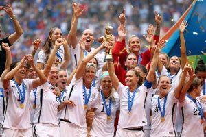 El combinado estadounidense se llevó un premio de 2 millones de dólares, una cifra nada despreciable, pero que si se compara con otros gastos de la FIFA, queda muy por debajo. A continuación les presentamos 5 gastos inútiles de la FIFA que superan el premio a las Campeonas del Mundo Foto:Getty Images. Imagen Por: