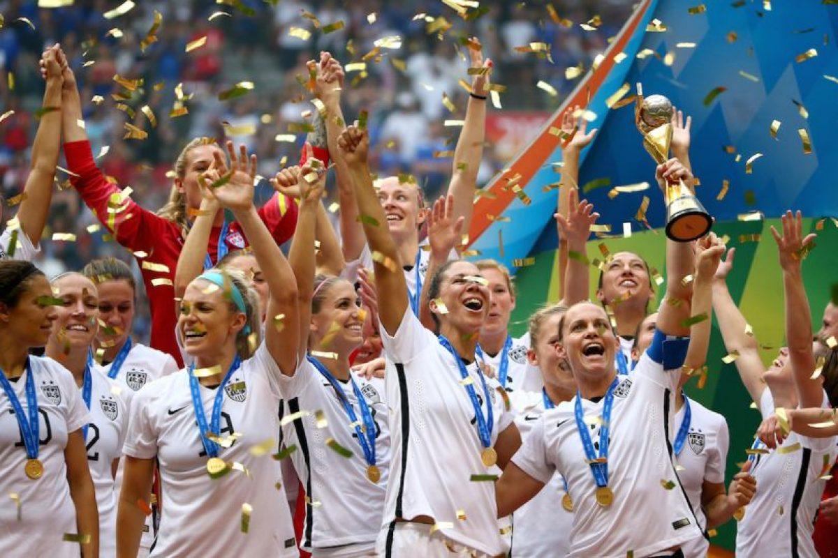 Estados Unidos se coronó campeón del mundo en la categoría femenina tras golear 5-2 a Japón en la final de Canadá 2015. Foto:Getty Images. Imagen Por: