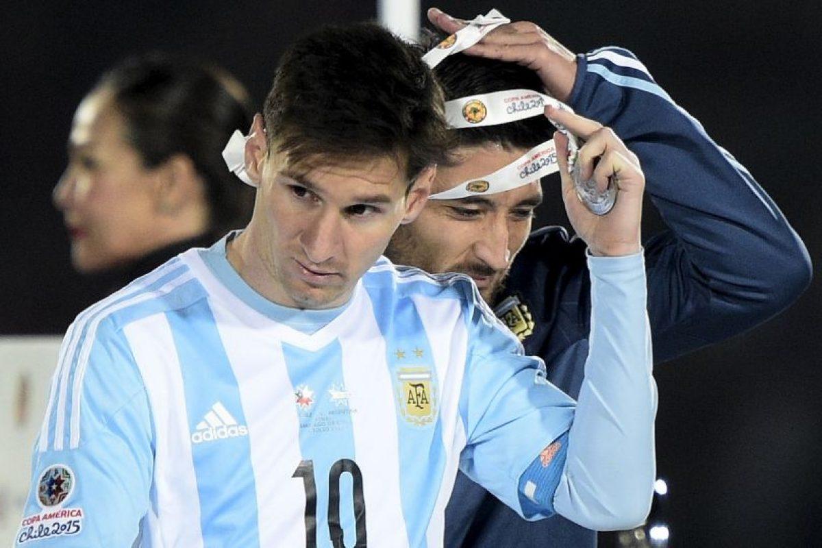Tras una falta de Marcelo Díaz a Messi, sus familiares protestaron en voz alta, por lo que fueron reconocidos por la hinchada local. Foto:AFP. Imagen Por: