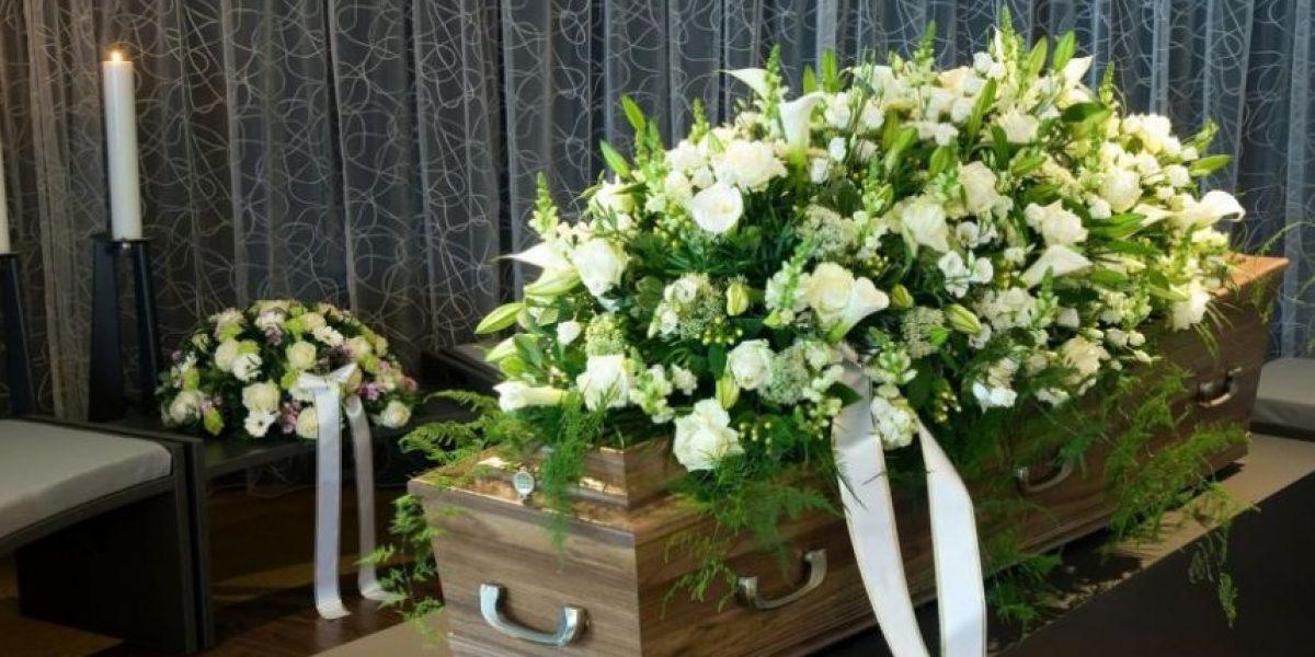Un bebé despierta en el ataúd durante su funeral en Kenia