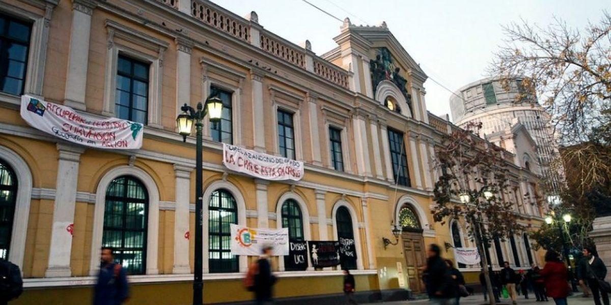 Averigua cuánto ganan los rectores de universidades públicas de Chile
