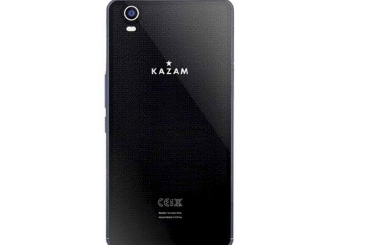 Tiene una pantalla Full HD de 5.5 pulgadas, cámara posterior de 13 megapixeles, Android 4.4 KitKat, memoria de 2.600 mAh, además de resistencia al agua (IP67). Foto:Kazam. Imagen Por:
