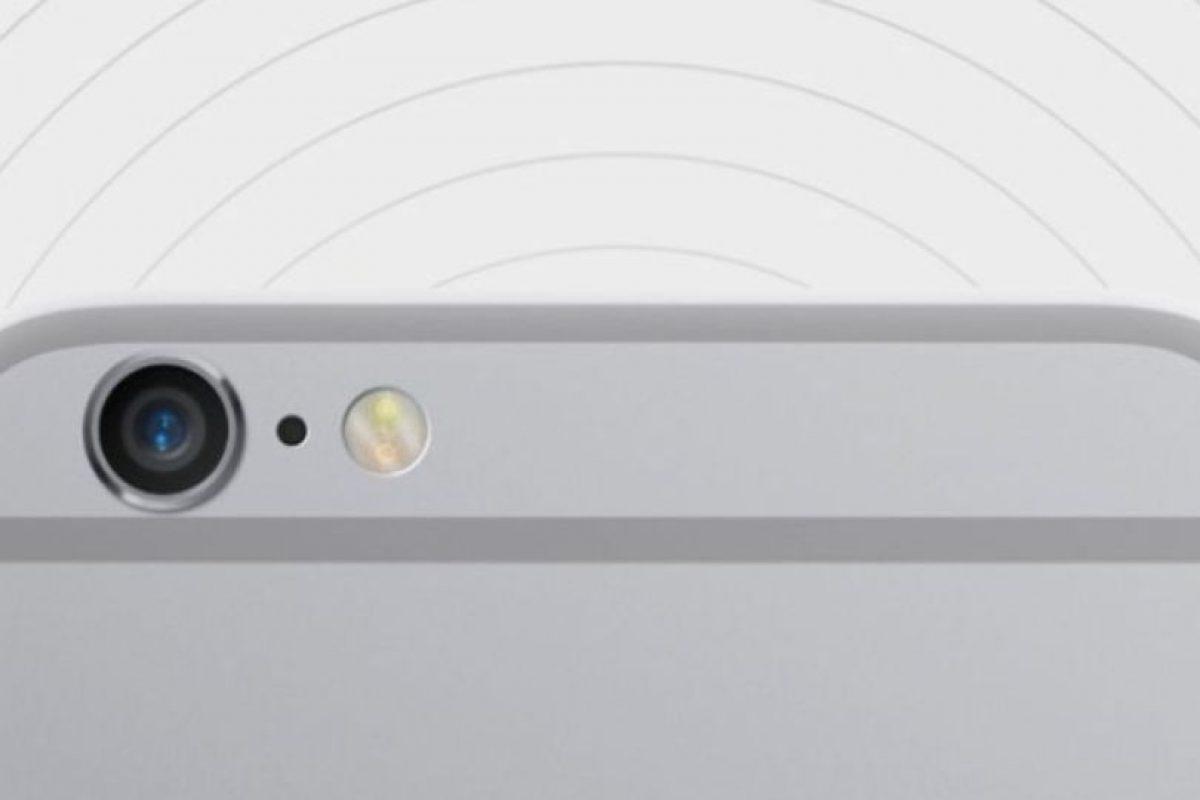 Cámara: Frontal de 8 megapíxeles. Posterior de 2.1 megapíxeles Foto:Apple. Imagen Por: