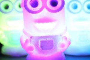 4.- Una lámpara de colores Foto:Ebay. Imagen Por: