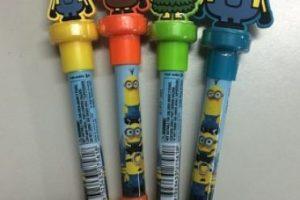 """20.- Estas plumas que además de tener un sello de """"Minion"""", sirven para lanzar burbujas de jabón. Foto:vía instagram.com/minions_muakmuak_hk. Imagen Por:"""