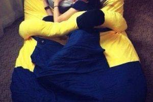 """13.- Esta cama para descansar en los brazos de un """"Minion"""" Foto:vía instagram.com/maisie08rivera. Imagen Por:"""
