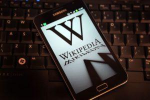 Las donaciones se destinan a tecnología para que Wikipedia funcione correctamente y para pagar salarios de sus 200 empleados. Foto:Getty Images. Imagen Por: