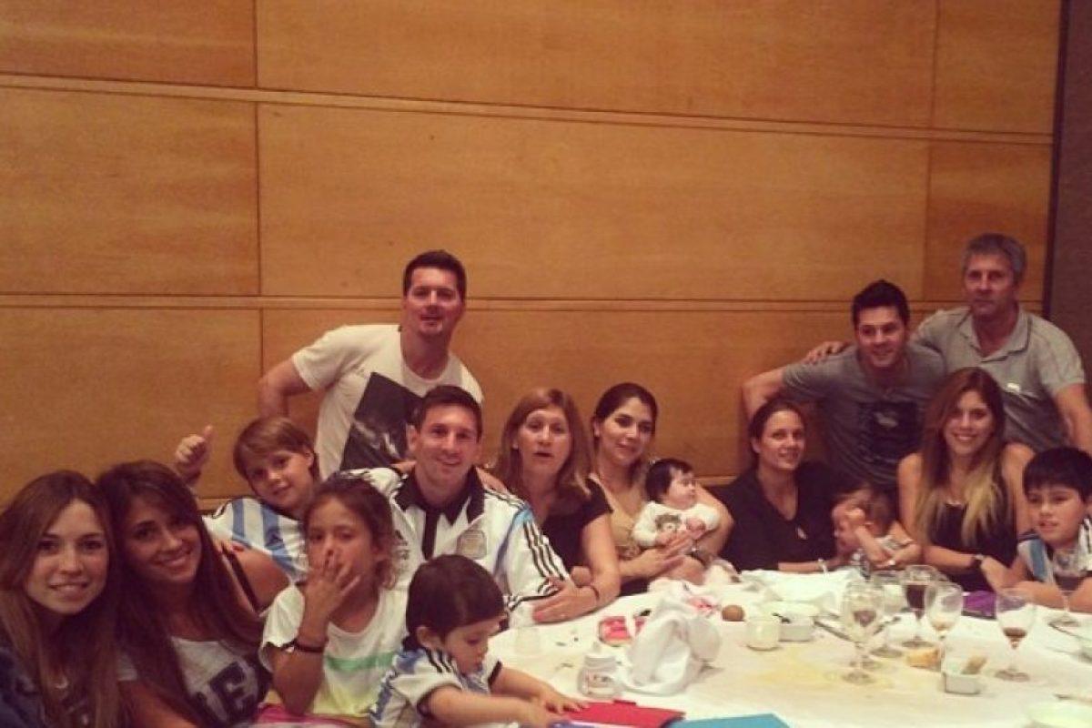 """Sin embargo, los familiares de """"Leo"""", al ser reconocidos por hinchas chilenos, fueron agredidos. Foto:Vía instagram.com/leomessi. Imagen Por:"""