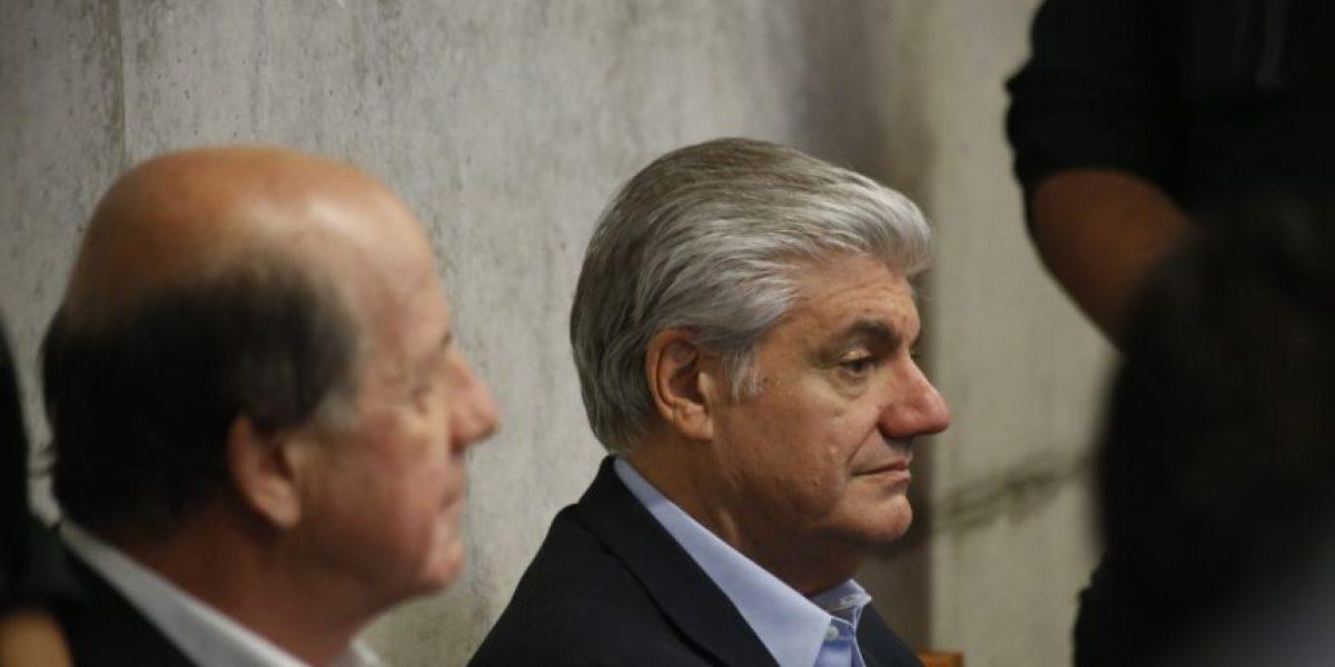 Penta: arresto domiciliario nocturno para Délano y Lavín