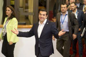 El primer ministro Alexis Tsipras en Bruselas para negociar con el Eurogrupo Foto:AP. Imagen Por: