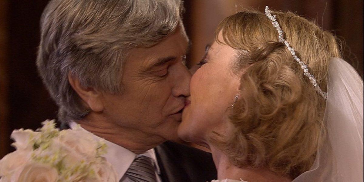 Matrimonio entre Di Girolamo y Reyes marca un hito en las teleseries nacionales
