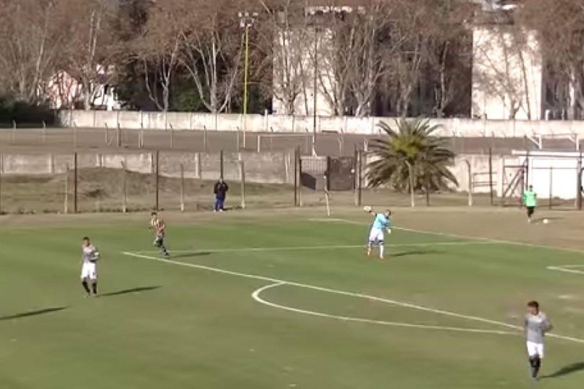El arquero Rodrigo Cervetti tuvo un error que nunca olvidará Foto:Twitter. Imagen Por: