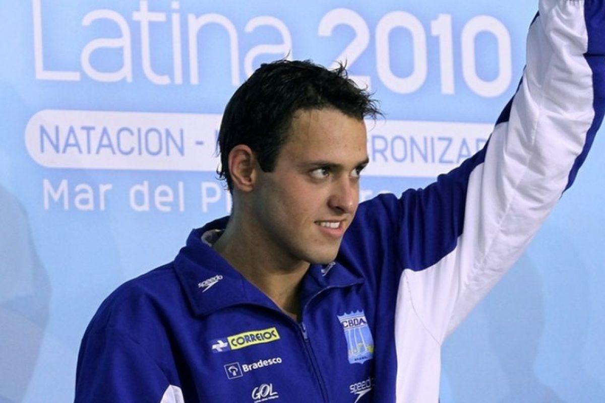 En 2011, ganó la medalla de plata en los Juegos Panamericanos de Guadalajara en la prueba de 4×200 metros. Foto:Vía facebook.com/cbdaoficial. Imagen Por: