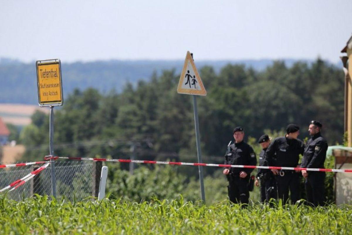 Después abrió fuego contra un ciclista Foto:AFP. Imagen Por: