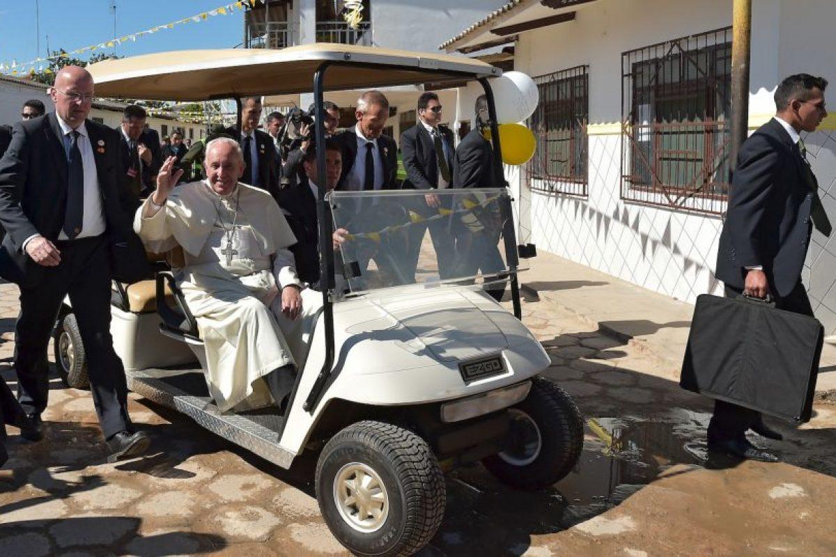 Así llegó el Sumo Pontífice a la cárcel de Palmasola Foto:AFP. Imagen Por: