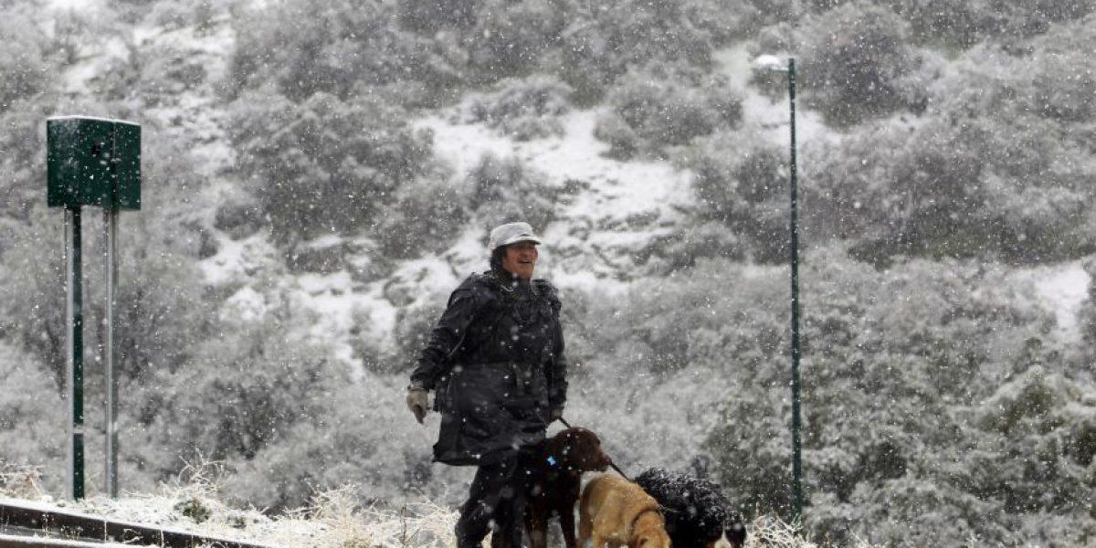 Alertan sobre caída de nieve en zonas altas de Santiago
