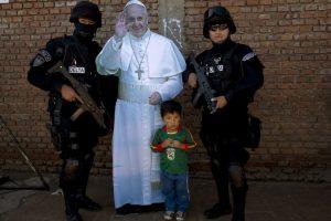 Una imagen del Papa fue instalada en el centro, donde todos pudieron fotografiarse Foto:AP. Imagen Por:
