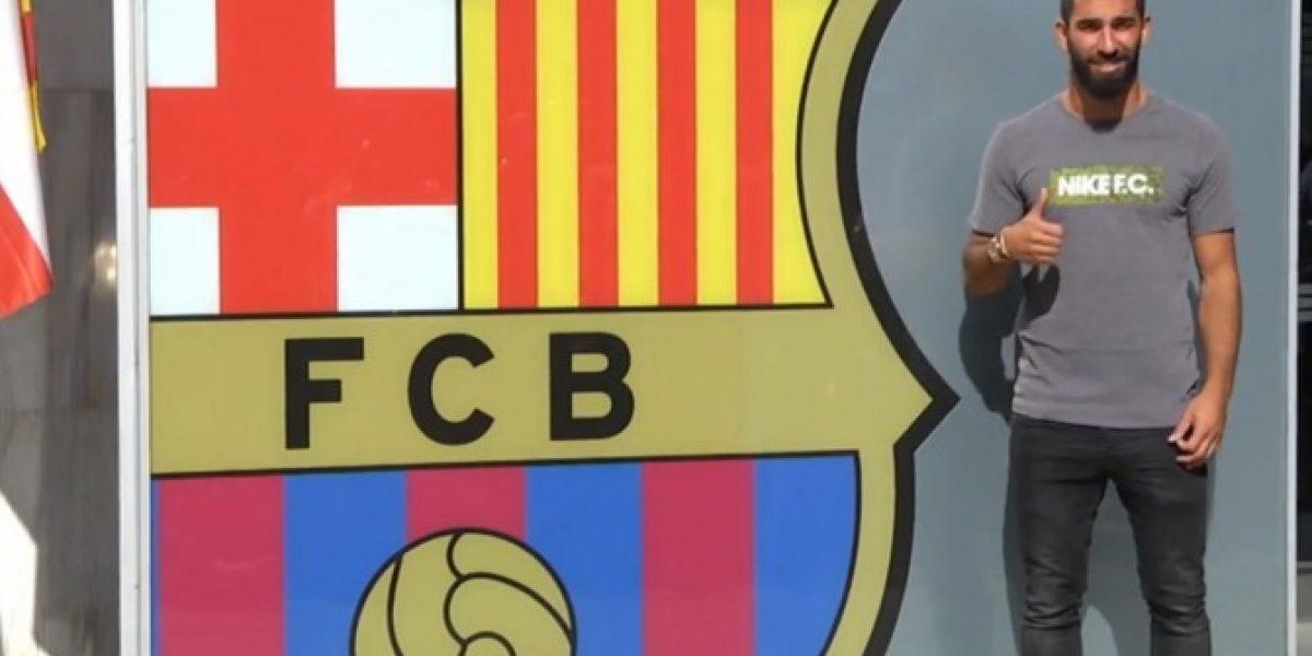 Arda Turan visita el Camp Nou tras confirmar su llegada al Bacerlona