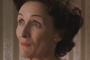 Petunia estaba celosísima de su hermana Lily e incluso quiso entrar a Hogwarts, pero la rechazaron por carta. Foto:vía Warner Bros. Imagen Por: