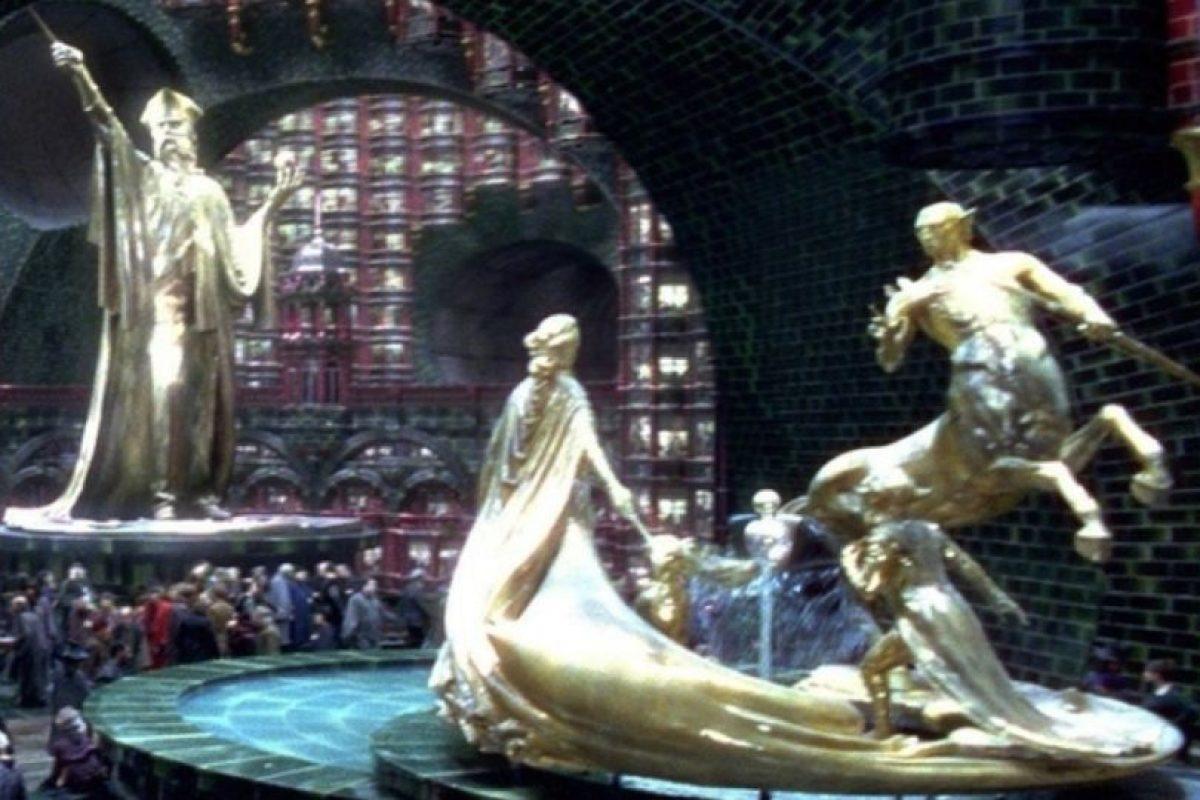 Dumbledore rechazó el puesto de Ministro de Magia porque sabía que el poder lo corrompería. Foto:vía Warner Bros. Imagen Por: