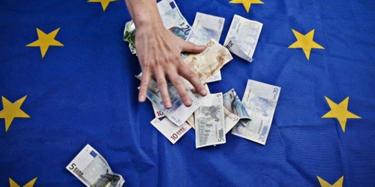 ¿Cuánto debe Grecia y a quién?