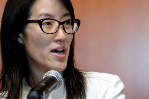 Es una abogado estadounidense de origen chino. Anteriormente Pao fue anteriormente fue socio inversor junior en Kleiner Perkins Caufield & Byers (firma financiera) y director corporativo de Flipboard (aplicación móvil) Foto:Getty Images. Imagen Por: