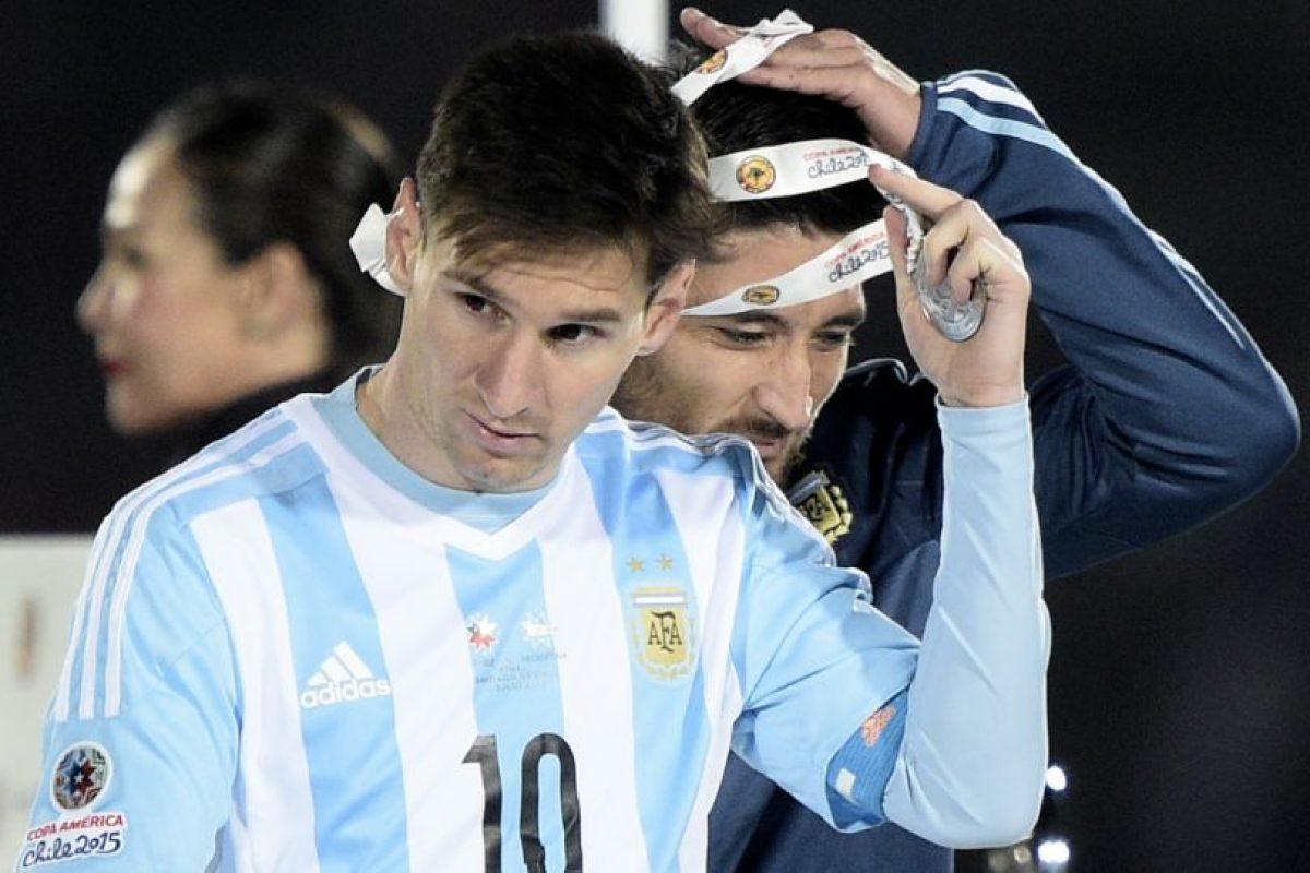 """""""Messi no pudo demostrar su habitual capacidad para desnivelar y ser la carta ganadora del equipo"""", publicó el sitio de noticias InfoBAE. Foto:AFP. Imagen Por:"""