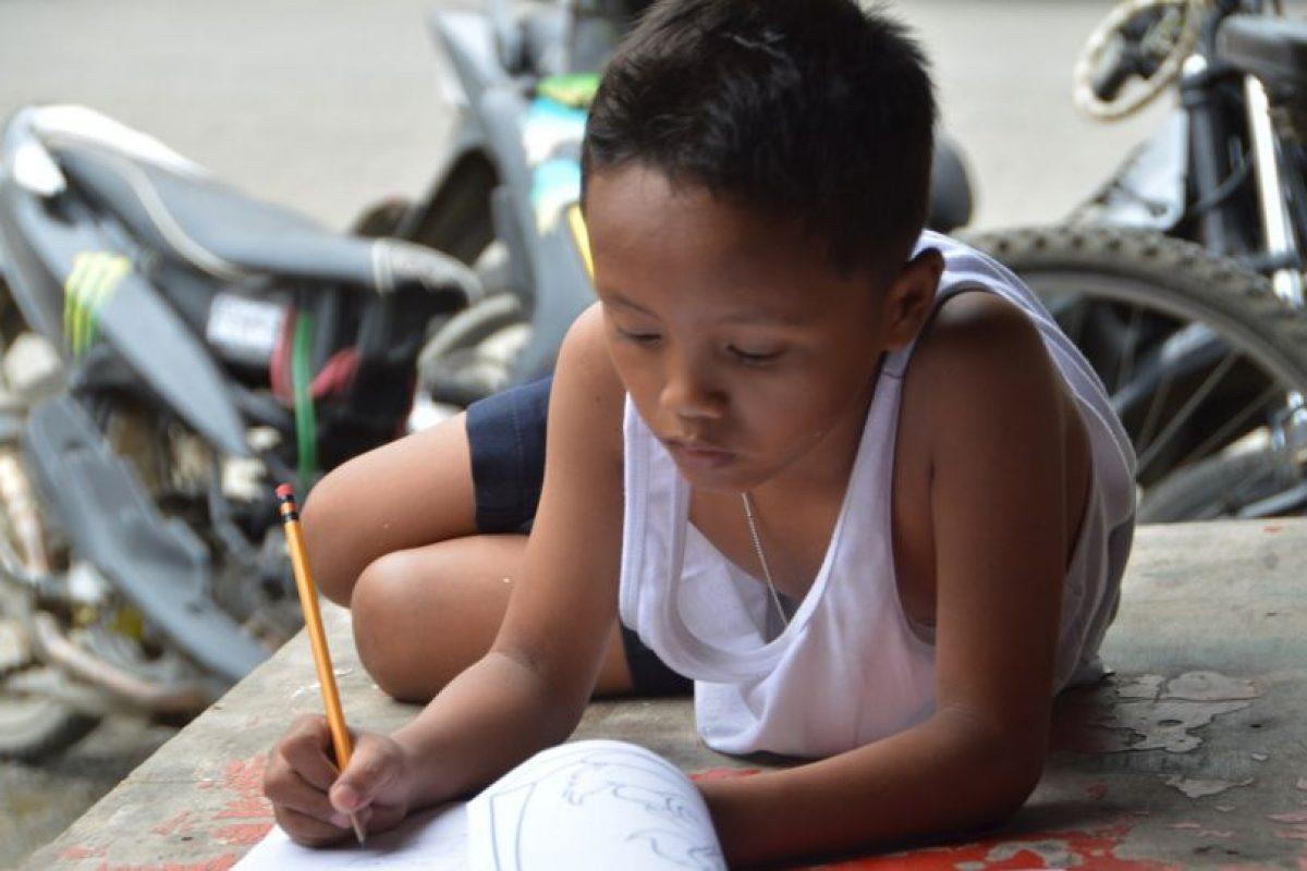 El menor recibió una beca para poder terminar la escuela Foto:AFP. Imagen Por: