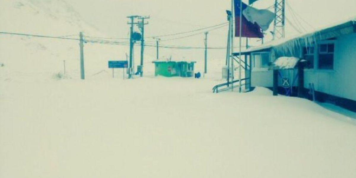 Nieve bloquea a camiones en el Paso Los Libertadores