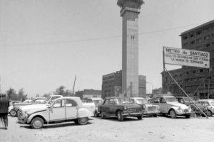 Construcción del la Estación Moneda del Metro y Torre Entel de Santiago en 1974. Foto:Fotos Históricas de Chile. Imagen Por: