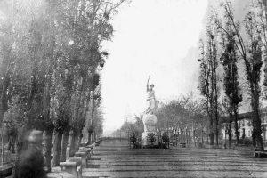 Alameda de las Delicias de Santiago en 1863. Foto:Fotos Históricas de Chile. Imagen Por: