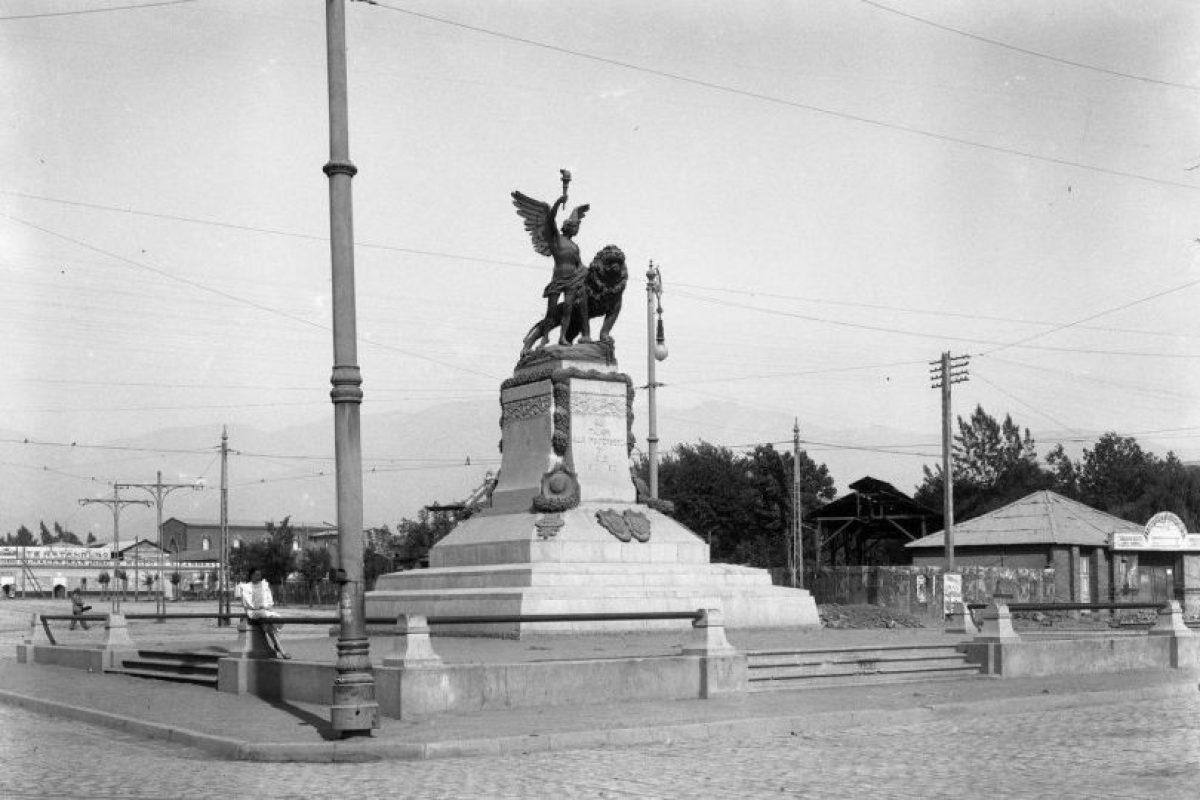 Plaza Italia de Santiago, inauguración de 1910. Foto:Fotos Históricas de Chile. Imagen Por: