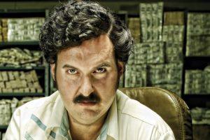 """""""Escobar, el patrón del mal"""", fue la serie colombiana que hizo el Canal Caracol sobre uno de los narcotraficantes más importantes de la historia: Pablo Escobar. Con gran rigor histórico, esta producción retrató los convulsos años 80 y 90 del país cafetero. Foto:vía Caracol Televisión. Imagen Por:"""
