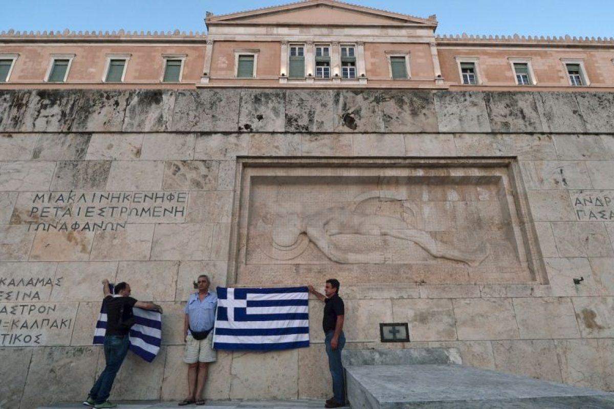 En las que incluyen la red eléctica, la cual Atenas pretende mantenerla en su poder. Foto:AFP. Imagen Por: