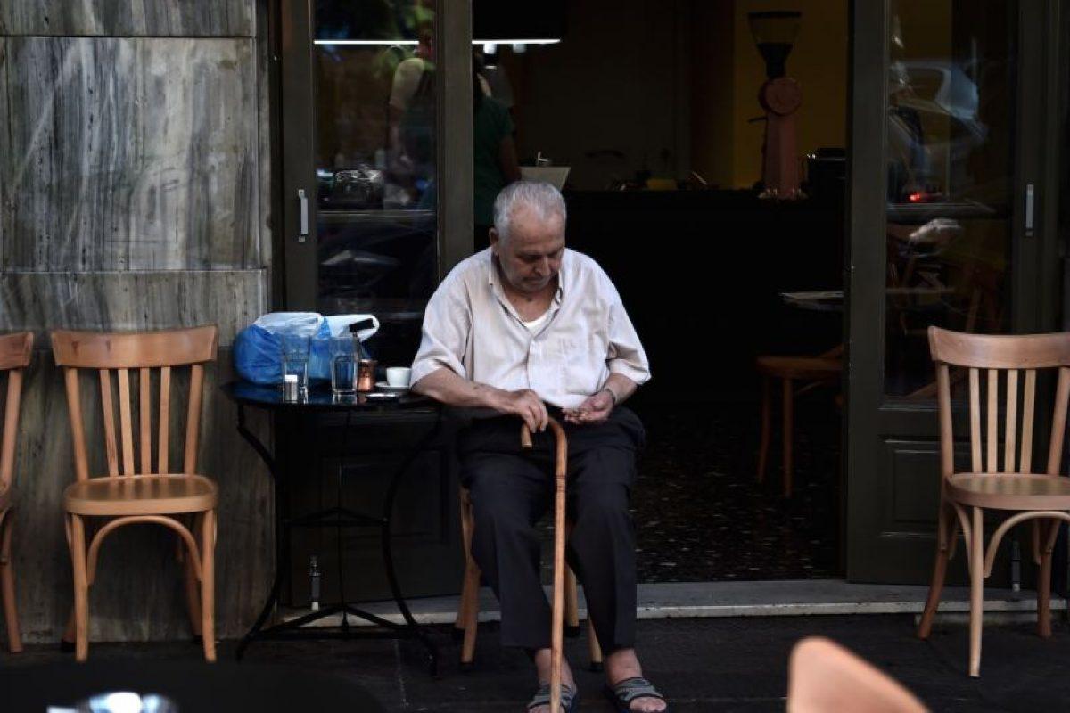 """La Unión Europea pidió """"reformas ambiciosas"""", como aumentarla edad de jubilación a 67 años y congelar el sistema de pensiones hasta 2021. Foto:Getty Images. Imagen Por:"""