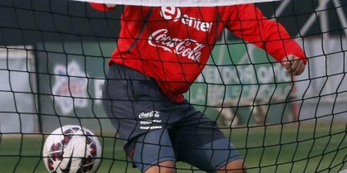 ¿Se queda en el Mainz 05? Gonzalo Jara apareció en la foto oficial del club