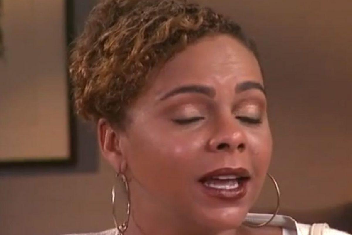 En una última entrevista, lucía desorientada e incoherente. Foto:vía Youtube. Imagen Por: