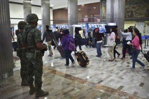 Autoridades mexicanas ofrecen 60 millones de pesos mexicanos por quien aporte información que lleve a la captrua del criminal Foto:AFP. Imagen Por: