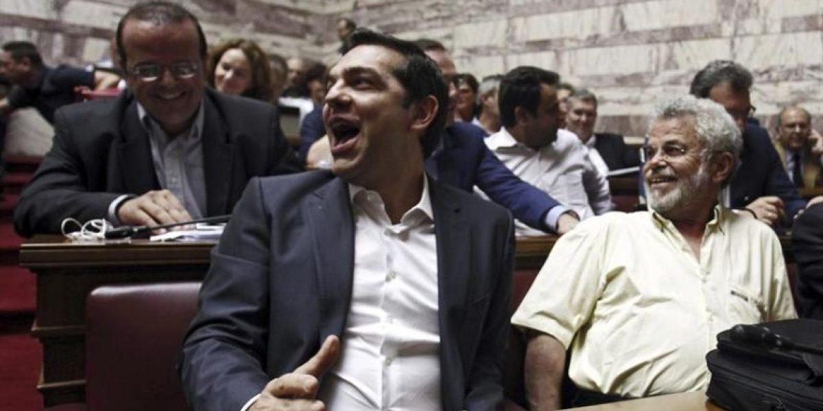 El Parlamento francés aprueba por amplia mayoría el acuerdo sobre Grecia