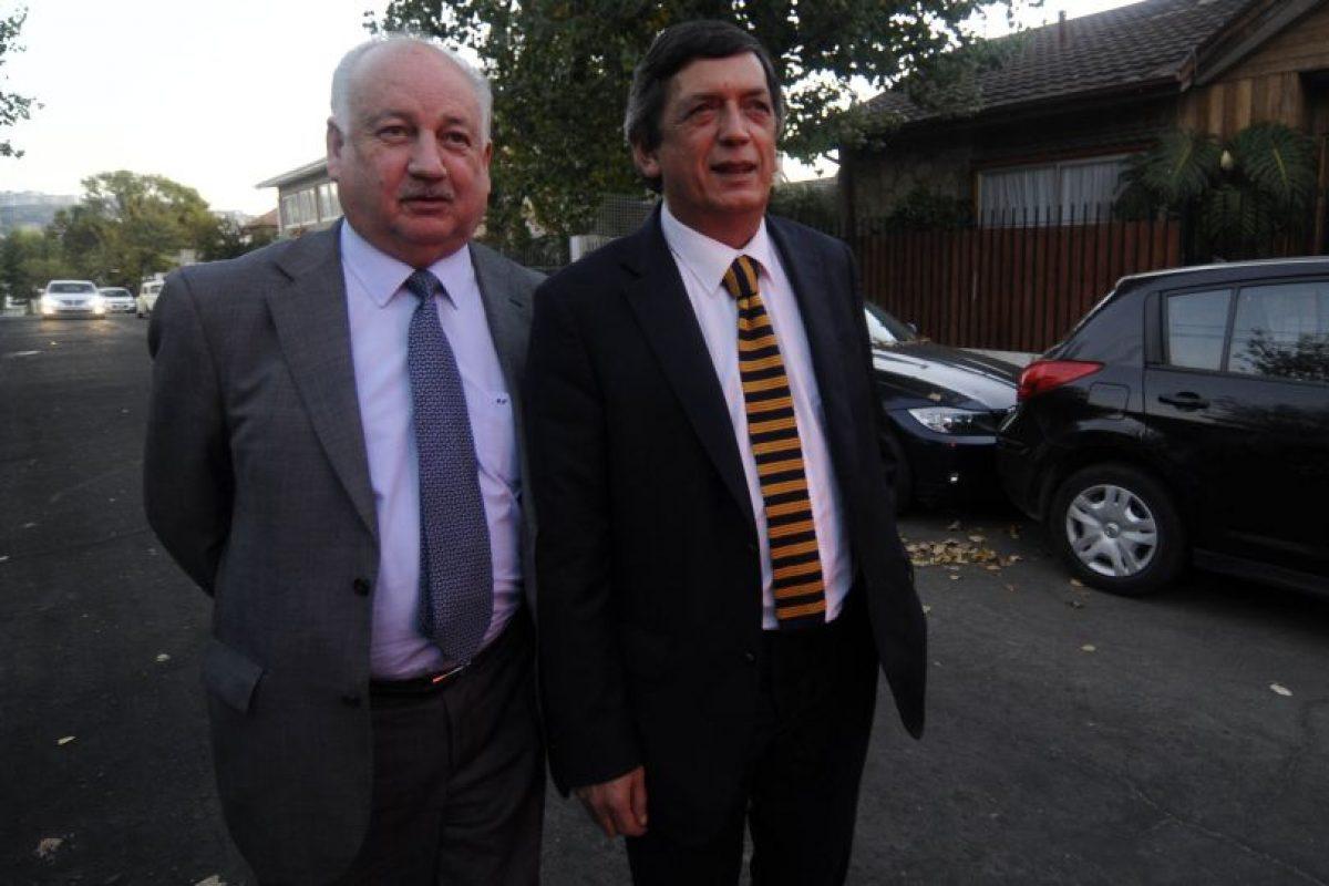 Diputados PC, Jorge Teillier y Lautaro Carmon. Foto:Agencia UNO. Imagen Por: