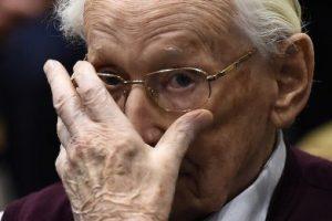 1. Oskar Groening fue declarado culpable en el Tribunal de Luneburgo, en Alemania. Foto:AP. Imagen Por: