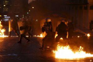 Los manifestantes piden rechazar las medidas propuestas por el Eurogrupo Foto:AP. Imagen Por: