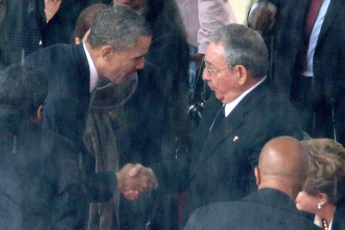 El sábado 11 de abril de 2015, El presidente estadounidense Barack Obama y el mandatario cubano Raúl Castro tuvieron una histórica reunión bilateral, en Panamá. Foto:Getty Images. Imagen Por: