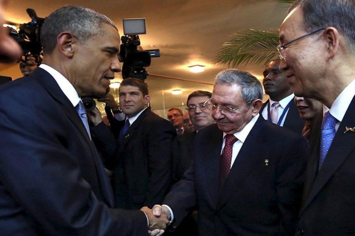Obama pidió no hacerse tantas ilusiones pues ambos países tienen muchas diferencias ideológicas, pero confirmó que ambos encontrarán la manera de entenderse. Foto:AP. Imagen Por:
