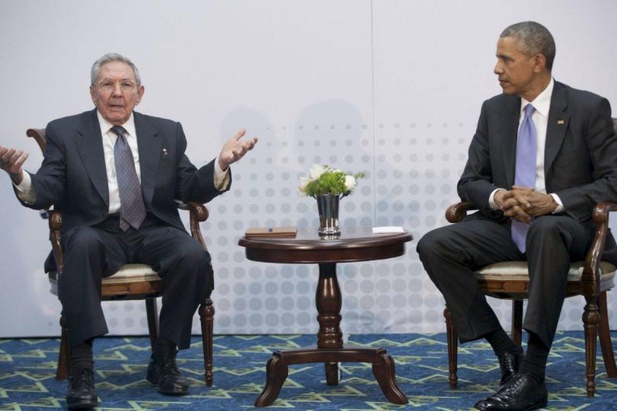 Por su parte, el presidente cubano Raúl Castro aseguró que todo se puede discutir con mucho respeto como dijo el presidente Obama Foto:AP. Imagen Por: