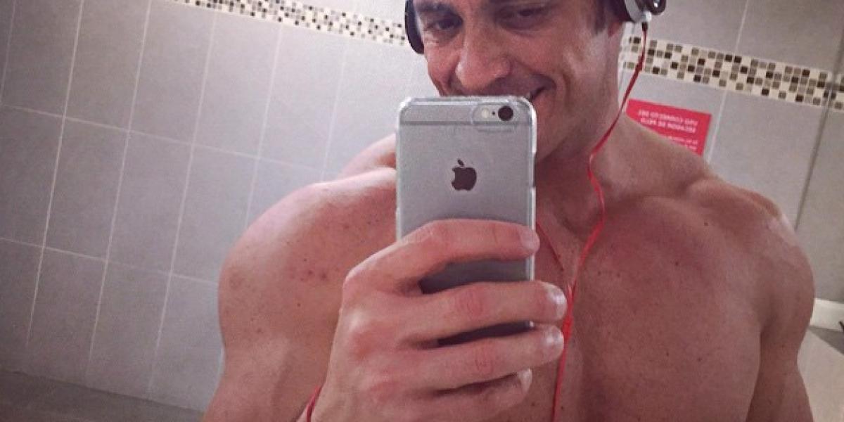 Pato Laguna le recuerda al mundo lo musuculoso que es en Instagram