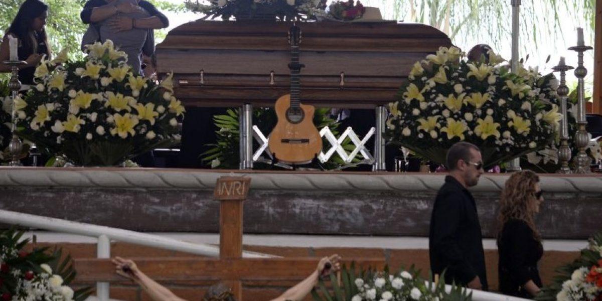 Amigos, familiares y admiradores dan último adiós a Joan Sebastian