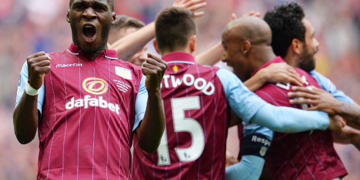 Manchester United busca un goleador y lanzó millonaria oferta por Benteke