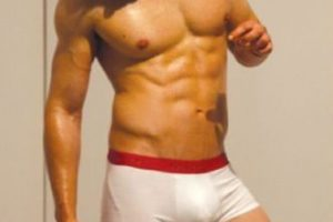 """Kellan Lutz, actor estadounidense que participó en la película """"Crepúsculo"""". Foto:Calvin Klein. Imagen Por:"""